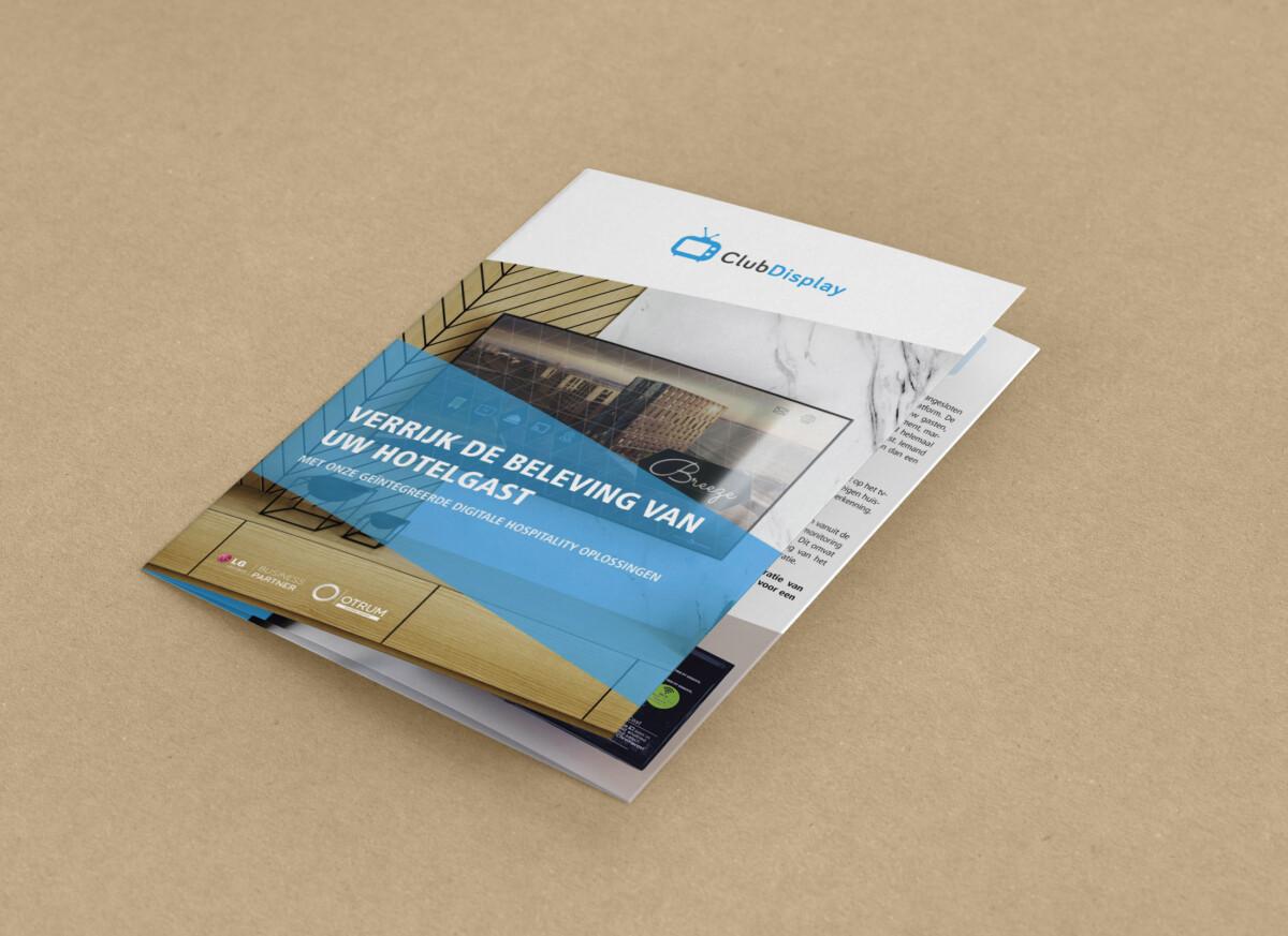 Tekstschrijver May-lisa de Laat schreef de teksten voor de brochure van ClubDisplay voor hotels.